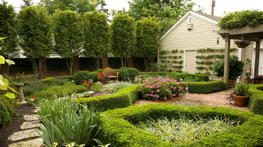 Know How You Can Add Sophisticated Touch to Your Garden